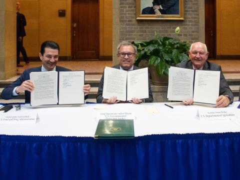 usda-epa-fda-signing-agreement